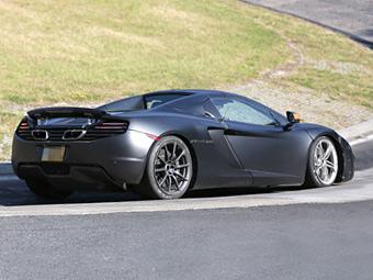 McLaren добавит багажник новому среднемоторному суперкару