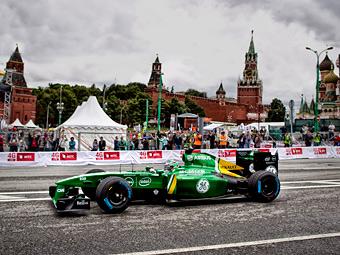 Классические болиды Формулы-1 проедут по Москве
