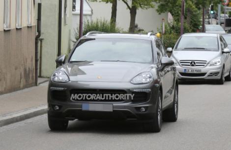 Фотошпионы засняли новинку на дорожных тестах