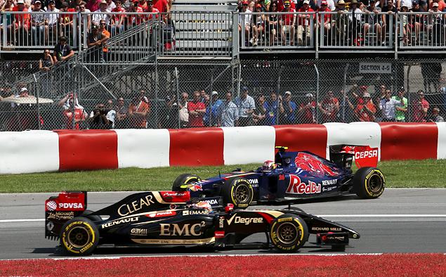 Дэниэл Риккардо принес Red Bull Racing первую победу в сезоне. Фото 6