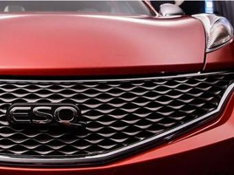 Infiniti показала фрагменты перелицованного Nissan Juke