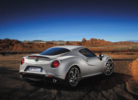 Компания Alfa Romeo определилась с автосалонами для США и Канады. Фото 1