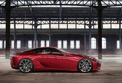 Серийная версия концепта LF-LC получит 482-сильный мотор V8. Фото 1