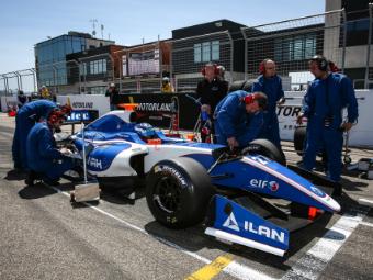 Лишенный места в Формуле-Renault россиянин попал в GP3