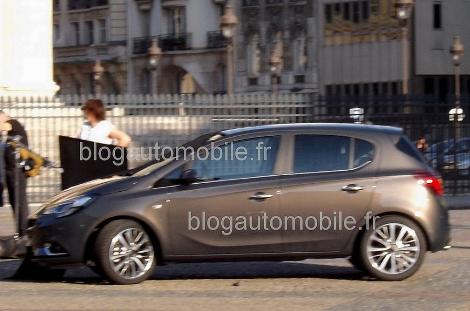 Хэтчбек сфотографировали во время официальной фотосессии в Париже. Фото 1