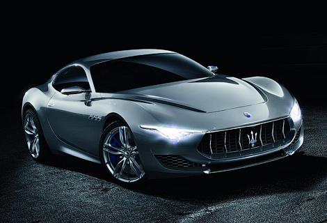 Новая модель Maserati приблизится по размерам салона к Porsche 911. Фото 1