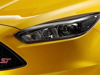 Ford поделился первым тизером обновленного Focus ST
