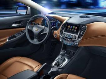 Компания Chevrolet показала интерьер Cruze нового поколения