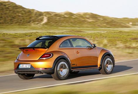 Компания опубликовала новые фотографии хэтчбека Beetle Dune