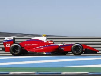 Российская команда победила на домашнем этапе Формулы-Renault