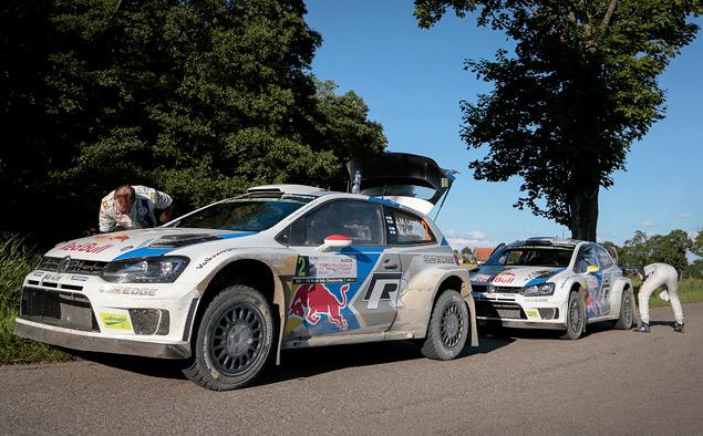 Пилоты Volkswagen вышли на три лидирующих места в личном зачете WRC