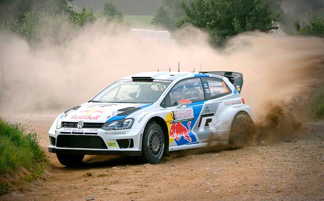 Пилоты Volkswagen вышли на три лидирующих места в личном зачете WRC. Фото 1