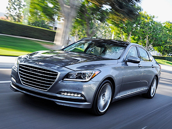 Hyundai научил седан Genesis тормозить перед спид-камерами