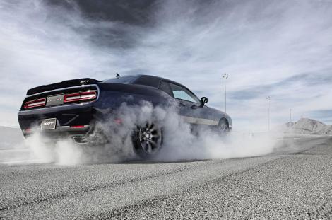 Dodge Challenger SRT стал самым мощным масл-каром в истории. Фото 1