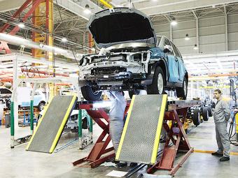 Выпуск иномарок в России пригрозили заменить импортом