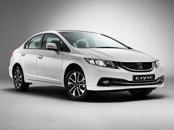 «Хонда» увеличила клиренс седана Civic для России