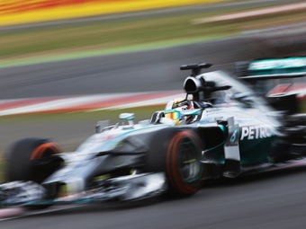 Хэмилтон выиграл пятую гонку Формулы-1 в сезоне