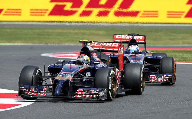 Хэмилтон вернулся в борьбу за титул чемпиона Формулы-1. Фото 6