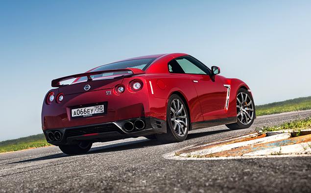 Где делают самые крутые суперкары: тест Chevrolet Corvette, BMW M4, Jaguar F-Type и Nissan GT-R. Фото 4