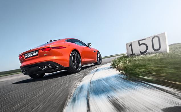 Где делают самые крутые суперкары: тест Chevrolet Corvette, BMW M4, Jaguar F-Type и Nissan GT-R. Фото 7
