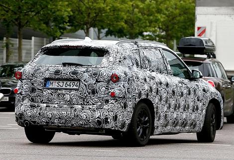 Немцы начали испытания соперника Mazda5 и Volkswagen Touran. Фото 1