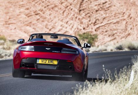 Aston Martin V12 Vantage S Roadster получил 573-сильный мотор. Фото 1