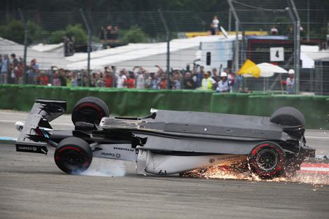 Немецкий пилот Mercedes AMG увеличил отрыв от напарника