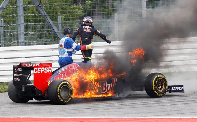 Немец выиграл домашнюю гонку Формулы-1 на немецкой машине с немецким мотором. Фото 5