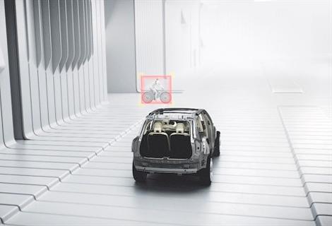 Следующий XC90 сможет сам тормозить на перекрестках и передвигаться в пробках. Фото 2