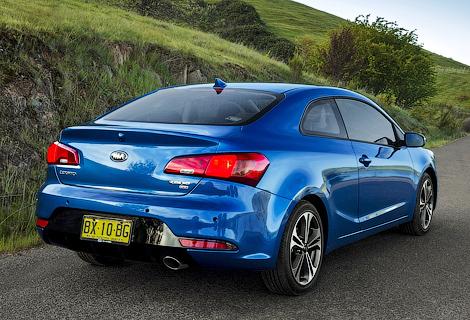 Дилеры Kia начали распродавать оставшиеся в наличии автомобили. Фото 1