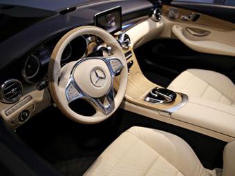 В Сети рассекретили интерьер кабриолета Mercedes-Benz С-Class