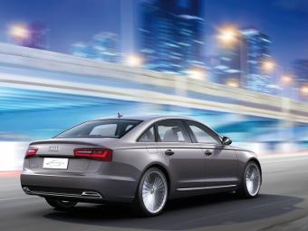 В Audi отказались от гонки электротехнологий с BMW и Tesla