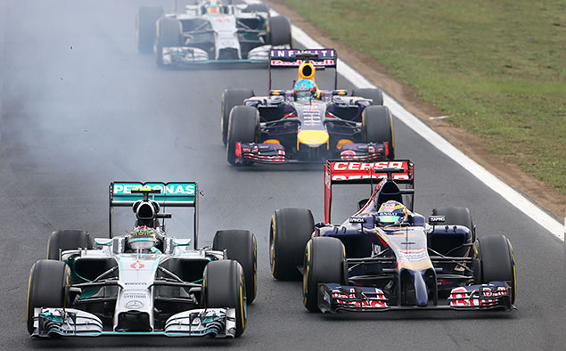 Формула-1 устроила шоу в Будапеште. Фото 2