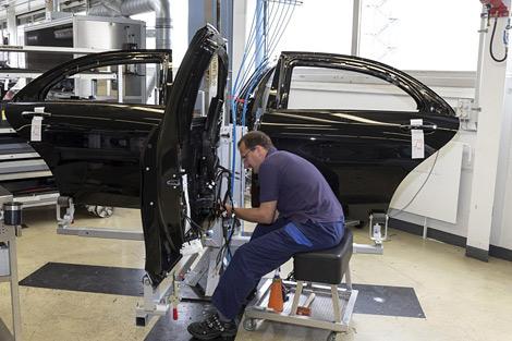 Компания начала выпуск бронированного седана S600 Guard
