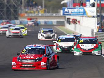 Заводская команда Lada впервые попала на подиум WTCC