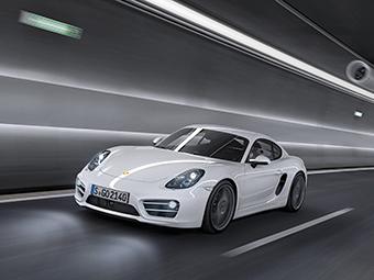 """Компания Porsche вывела на тесты спорткары с """"четверками"""""""