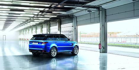 Range Rover Sport SVR получил 550-сильный двигатель V8. Фото 3