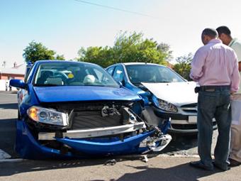 Автомобили в России предложили оснащать страховыми датчиками