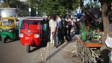 Путешественники из Индии объявили сбор средств на поездку из Бангалора в Лондон