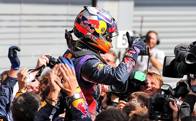 Борьба напарников по Mercedes AMG на Гран-при Бельгии переросла в битву. Фото 2