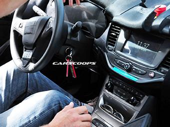 Opel Astra лишится нагромождения кнопок в салоне