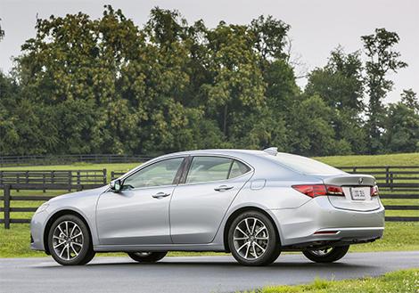 Стали известны подробности о российской версии седана Acura TLX