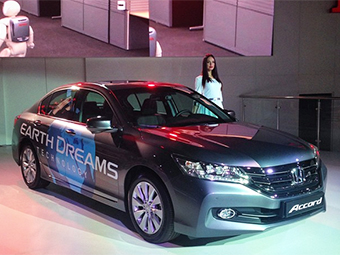 «Хонда» показала в Москве обновленный Accord