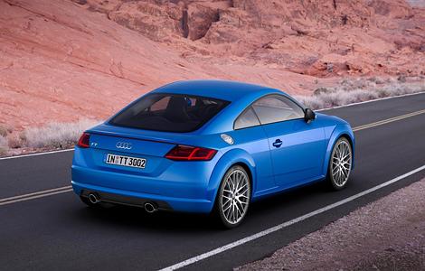 Немецкая компания назвала российские цены на новое купе. Фото 1