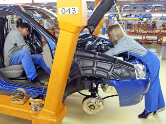 «АвтоВАЗ» опроверг сокращение половины сотрудников
