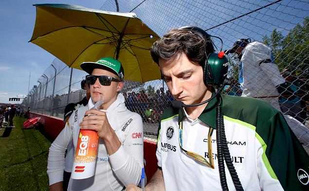 Кто управляет болидами Формулы-1 вместе с гонщиками. Фото 2