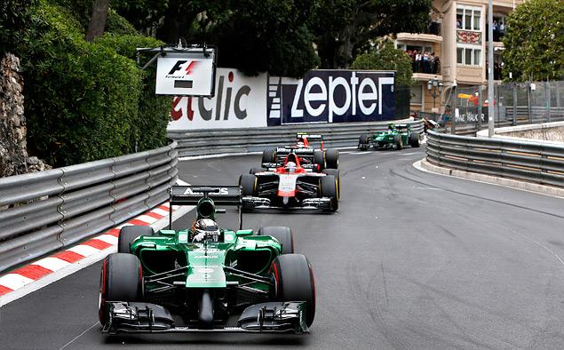 Кто управляет болидами Формулы-1 вместе с гонщиками. Фото 8