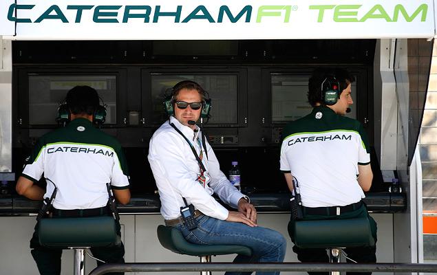 Кто управляет болидами Формулы-1 вместе с гонщиками. Фото 11