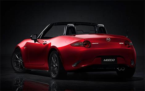 Новая Mazda MX-5 стала на 100 килограммов легче. Фото 1