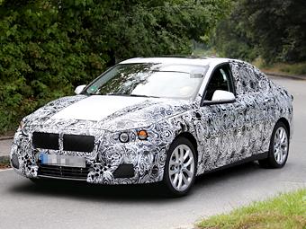Компания BMW приступила к тестам маленького седана